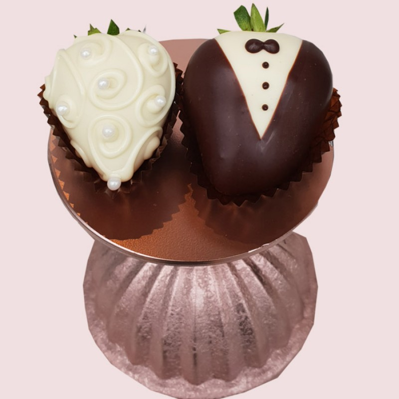 Bride & Groom - Chocolate Strawberries