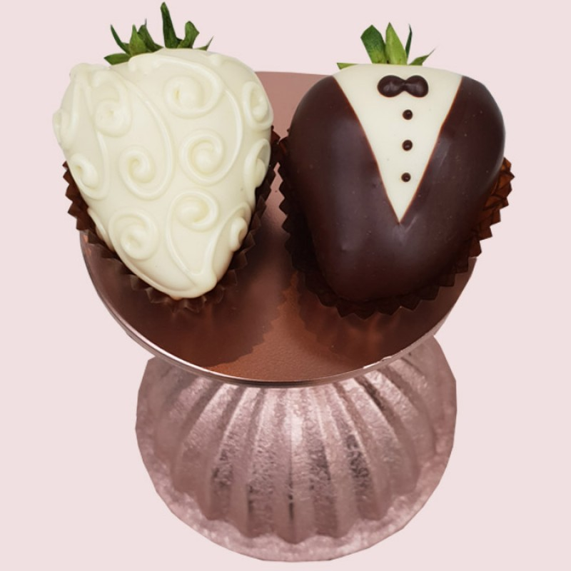 Bride & Groom Wedding Chocolate Strawberries